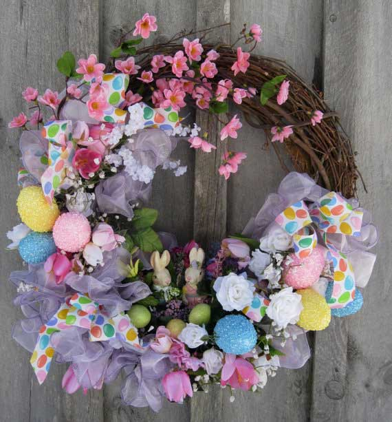 Spring-Wreath-with-Flowers-and-Easter-Eggs